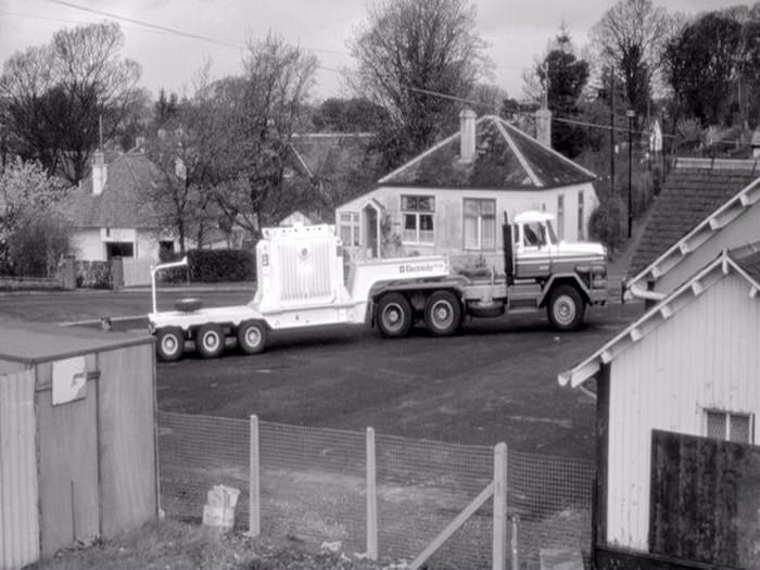 Nuclear Flask truck arriving at Fairlie Station in 1984